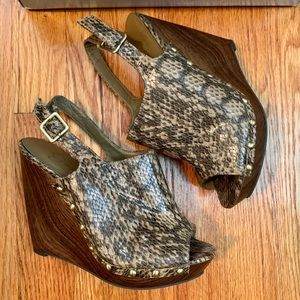 Jessica Simpson Snakeskin Wedge Sandals, size 6.5